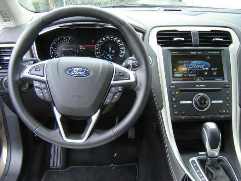Ford Mondeo 2.0 Tdci 180ch Vignale Powershift 4p - Visuel #10