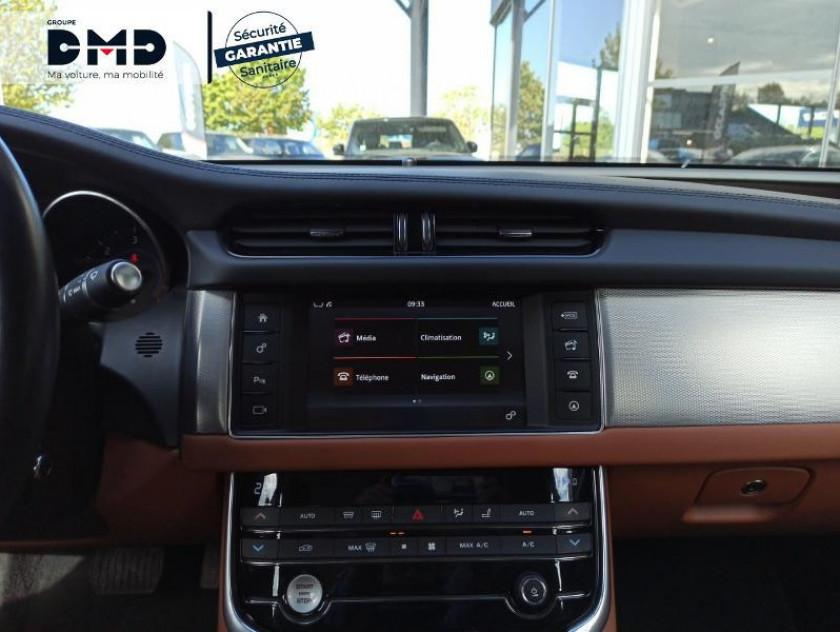 Jaguar Xf V6 3.0 D 300ch Portfolio Bva - Visuel #6