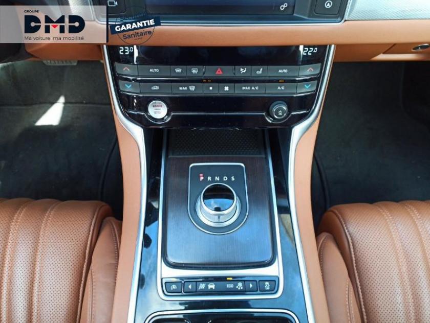 Jaguar Xf V6 3.0 D 300ch Portfolio Bva - Visuel #8