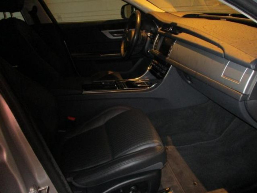 Jaguar Xf V6 3.0 D 300ch Prestige Bva - Visuel #3