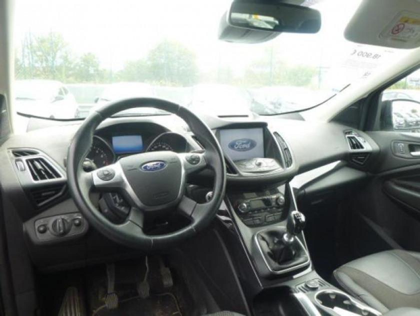 Ford Kuga 1.5 Ecoboost 120ch Stop&start Titanium 4x2 - Visuel #9