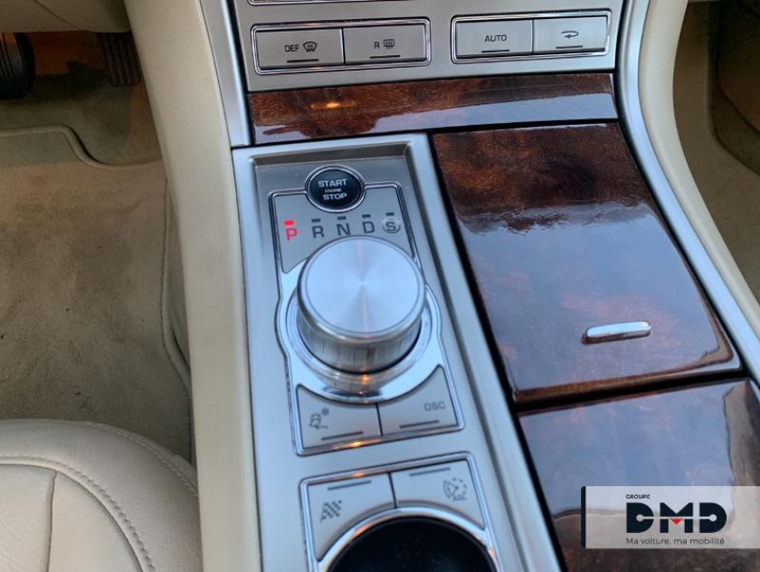 Jaguar Xf 3.0 V6 D Luxe Premium - Visuel #7