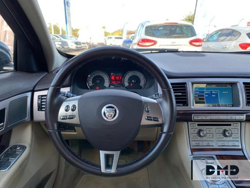 Jaguar Xf 3.0 V6 D Luxe Premium - Visuel #6