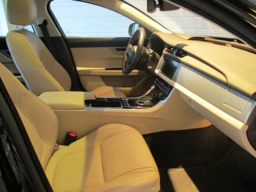 Jaguar Xf 3.0 V6 D 300ch Prestige Bva - Visuel #3