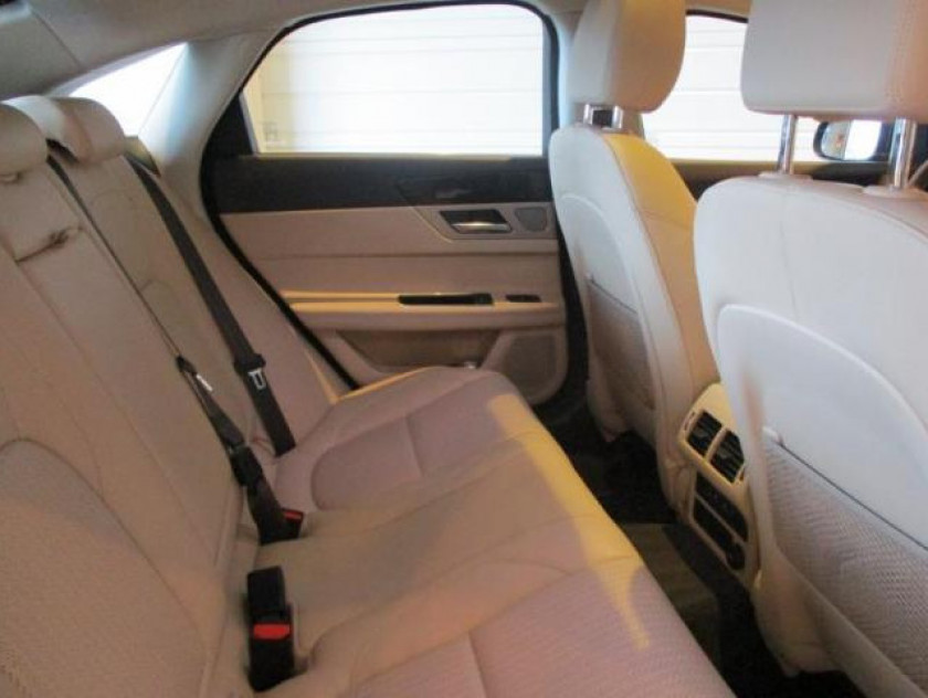 Jaguar Xf 3.0 V6 D 300ch Prestige Bva - Visuel #4