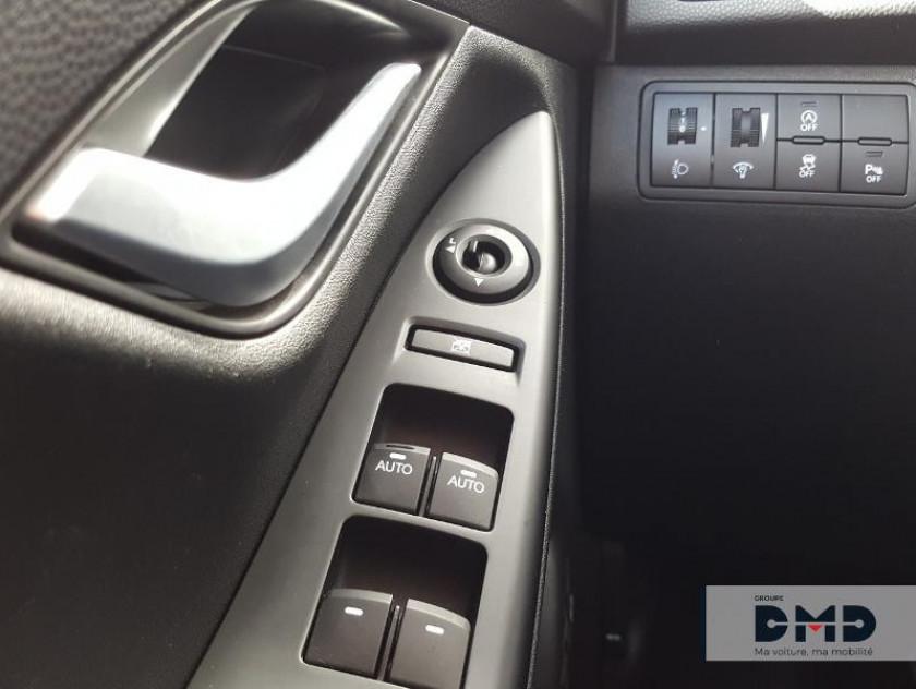 Hyundai Ix20 1.6 Crdi 115 Blue Drive Intuitive - Visuel #13