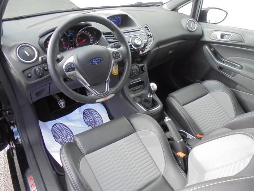 Ford Fiesta 1.6 Ecoboost 182ch St 3p - Visuel #3