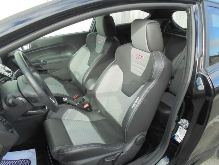 Ford Fiesta 1.6 Ecoboost 182ch St 3p - Visuel #5