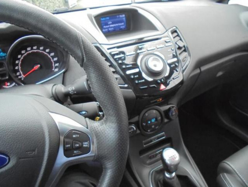 Ford Fiesta 1.6 Ecoboost 182ch St 3p - Visuel #27