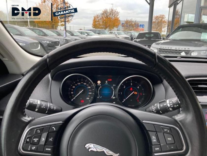 Jaguar F-pace 2.0d 180ch Prestige 4x4 - Visuel #7