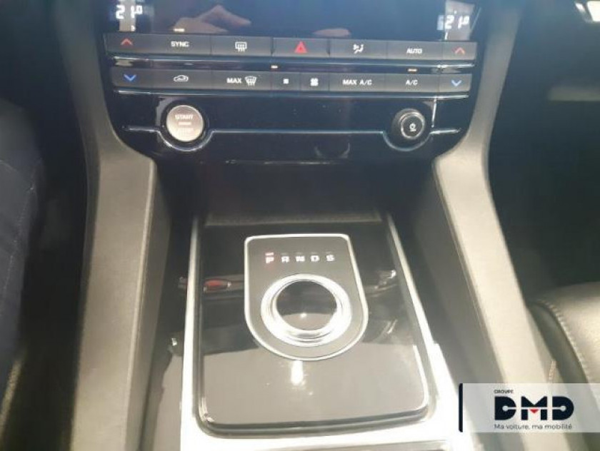 Jaguar F-pace 2.0d 180ch Prestige 4x4 Bva8 - Visuel #8