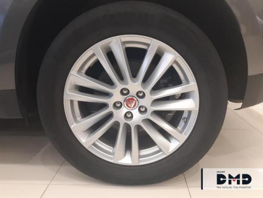 Jaguar F-pace 2.0d 180ch Prestige 4x4 Bva8 - Visuel #13