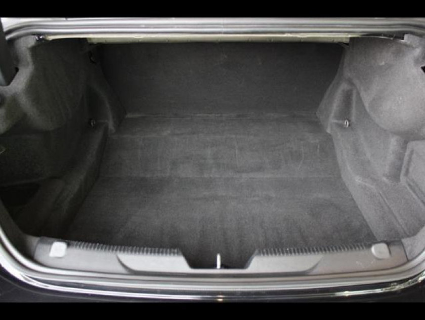 Jaguar Xe 2.0d 180ch Pure - Visuel #10