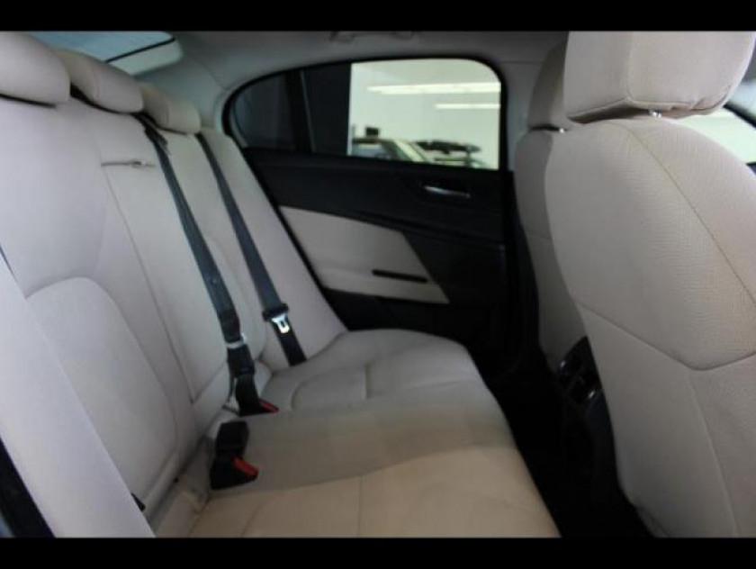 Jaguar Xe 2.0d 180ch Pure - Visuel #5