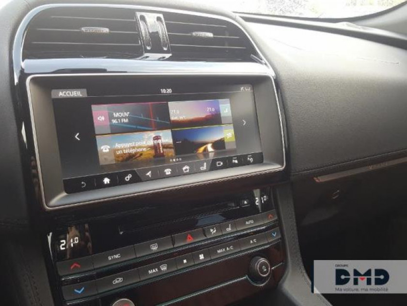 Jaguar F-pace V6 3.0d 300ch Portfolio 4x4 Bva8 - Visuel #6