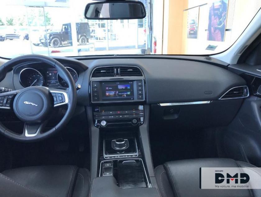 Jaguar F-pace 2.0d 180ch Prestige 4x2 Bva8 - Visuel #5