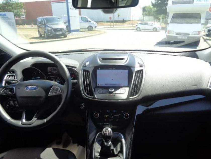 Ford Kuga 2.0 Tdci 150ch Stop&start Titanium 4x2 - Visuel #3