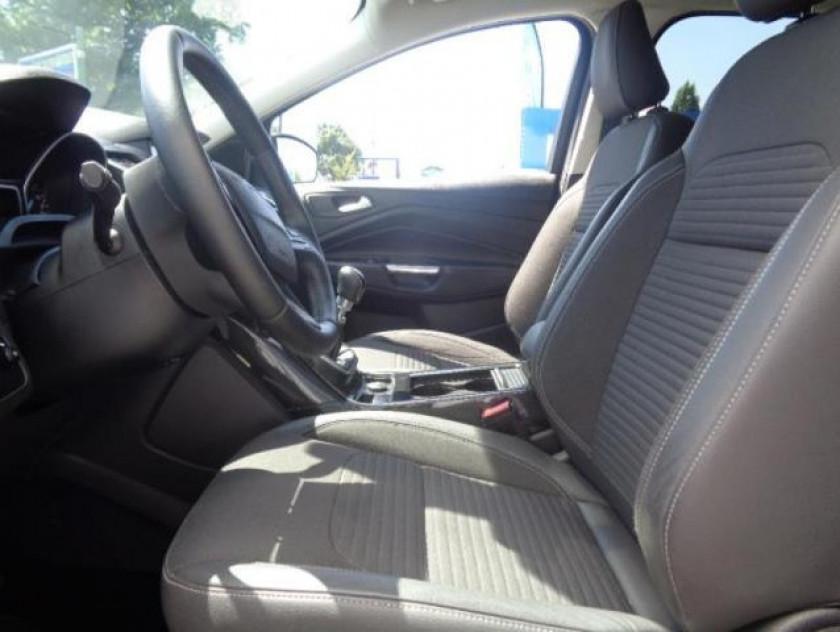 Ford Kuga 2.0 Tdci 150ch Stop&start Titanium 4x2 - Visuel #4