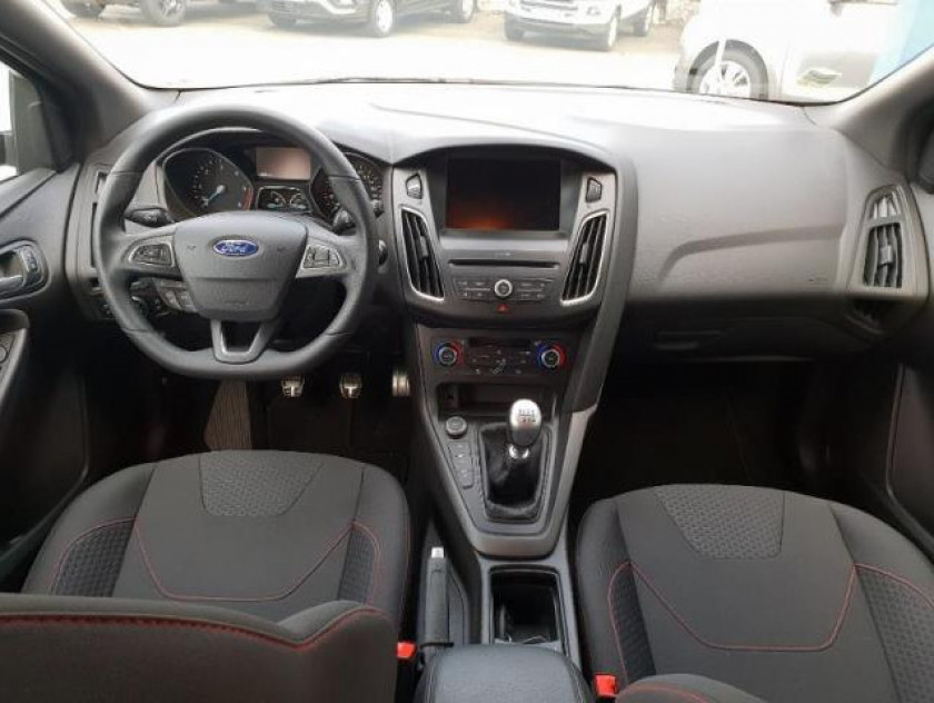 Ford Focus 1.5 Tdci 120ch Stop&start St Line - Visuel #5
