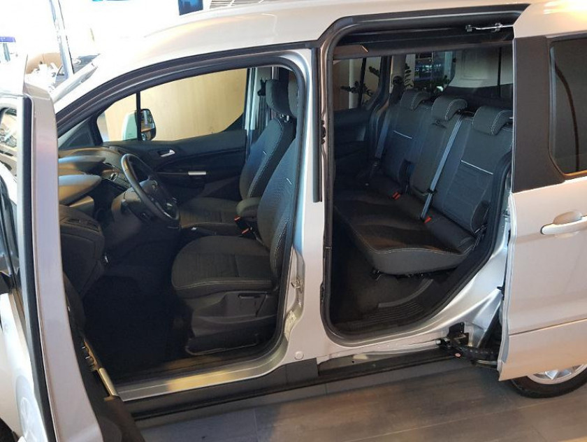 Ford Tourneo Connect 1.5 Td 100ch Titanium Euro6 - Visuel #3