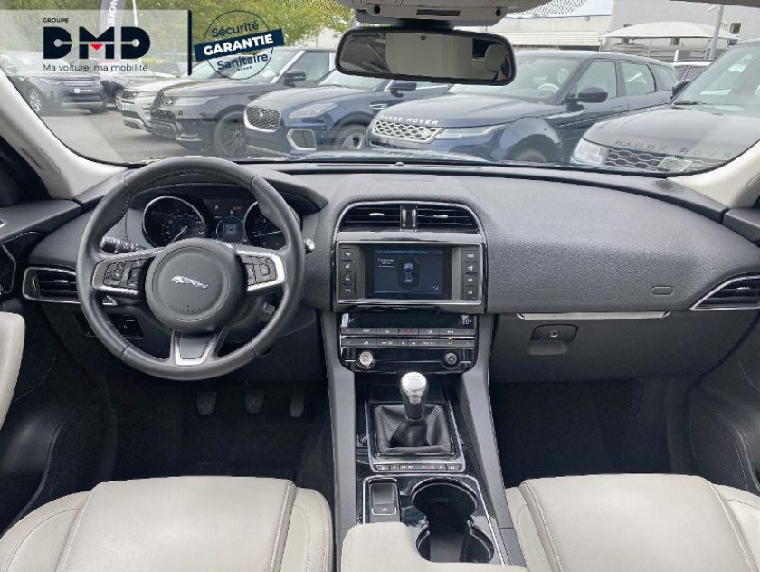 Jaguar F-pace 2.0d 180ch Prestige 4x4 - Visuel #5