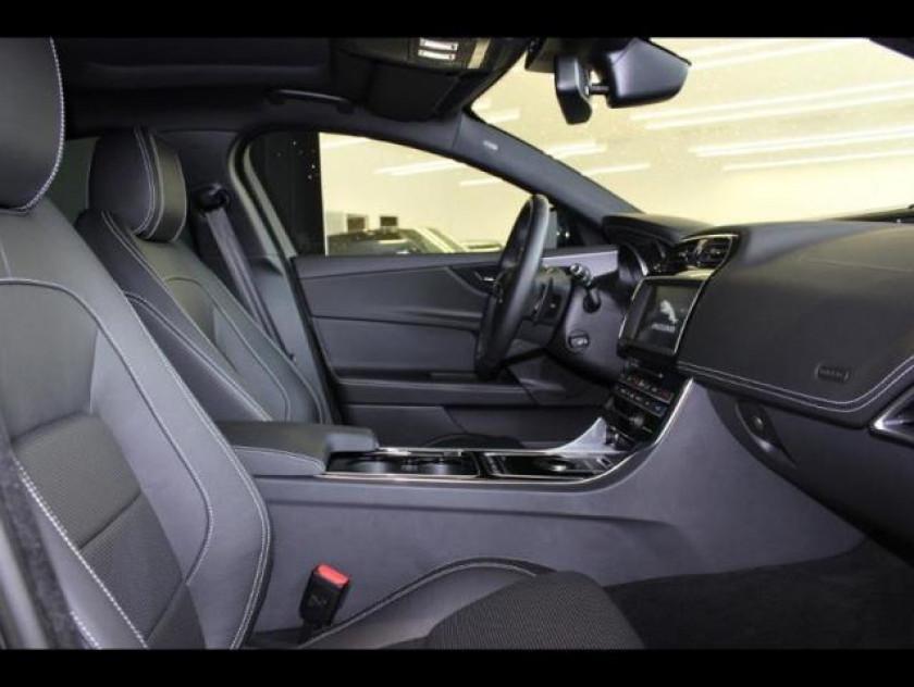 Jaguar Xe 2.0d 180ch R-sport - Visuel #3
