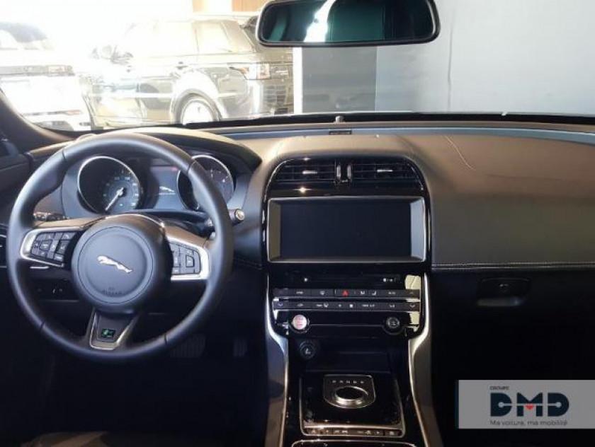 Jaguar Xe 2.0d 180ch R-sport Bva8 - Visuel #5