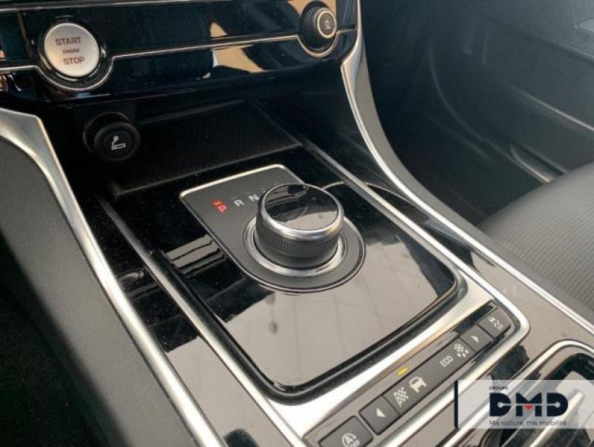 Jaguar Xe 2.0d 180ch R-sport Bva8 - Visuel #8