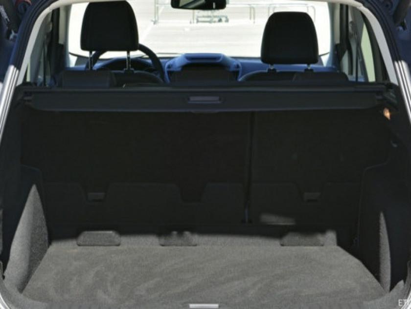 Ford Kuga 2.0 Tdci 150ch Stop&start Titanium 4x2 - Visuel #9