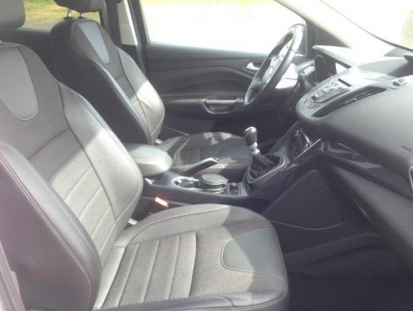 Ford Kuga 2.0 Tdci 115ch Fap Titanium - Visuel #3