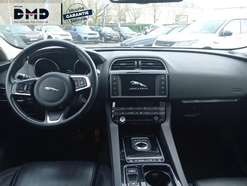 Jaguar F-pace 2.0d 180ch Prestige 4x4 Bva8 - Visuel #5