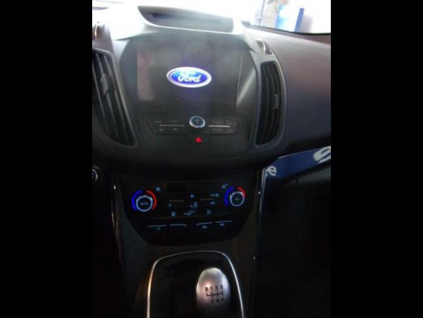 Ford Kuga 1.5 Tdci 120ch Stop&start St-line 4x2 - Visuel #9