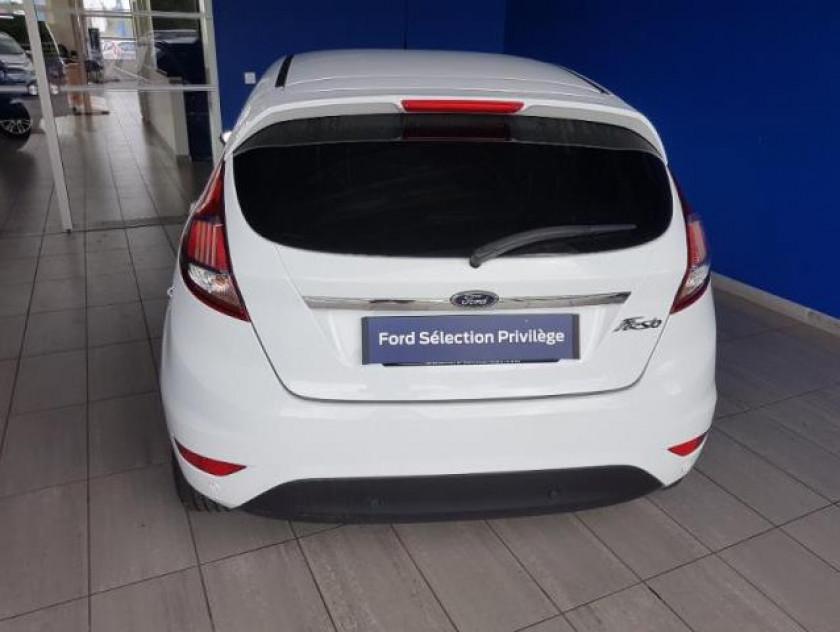 Ford Fiesta 1.5 Tdci 95ch Fap Titanium 5p - Visuel #3