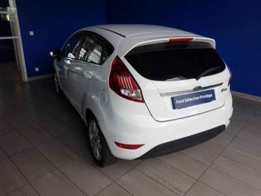 Ford Fiesta 1.5 Tdci 95ch Fap Titanium 5p - Visuel #2