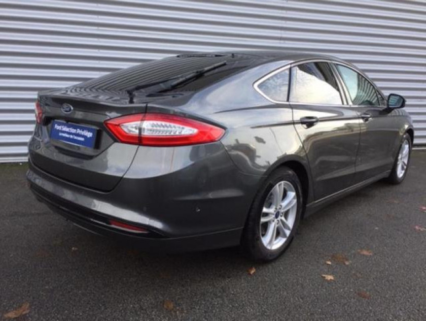 Ford Mondeo 2.0 Tdci 150ch Titanium Business 5p Euro6.2 - Visuel #3
