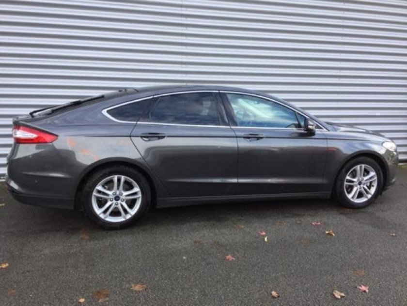 Ford Mondeo 2.0 Tdci 150ch Titanium Business 5p Euro6.2 - Visuel #9