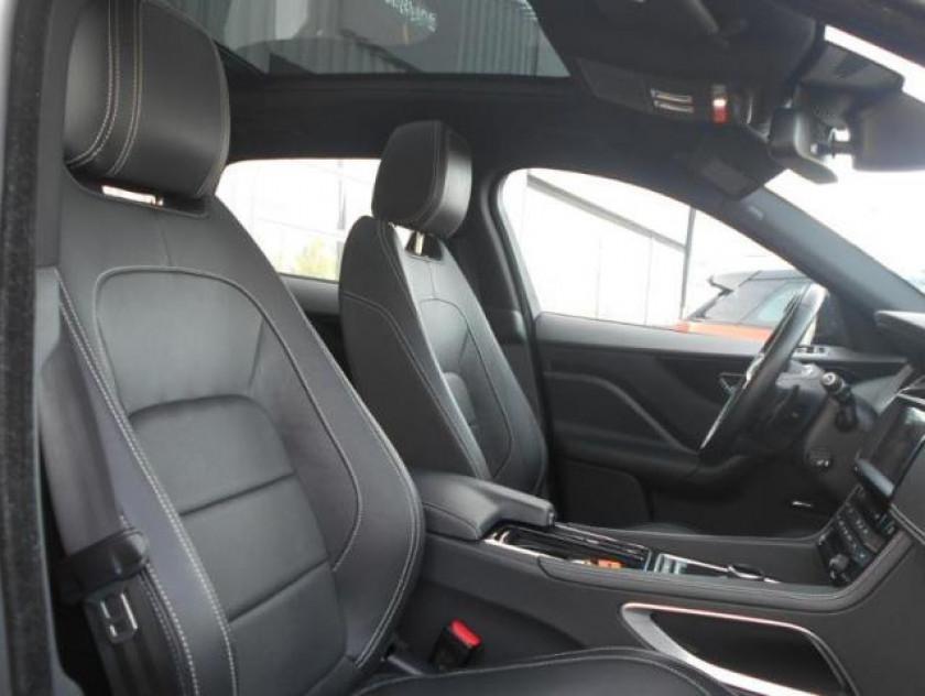 Jaguar F-pace 2.0d 180ch R-sport 4x4 Bva8 - Visuel #4