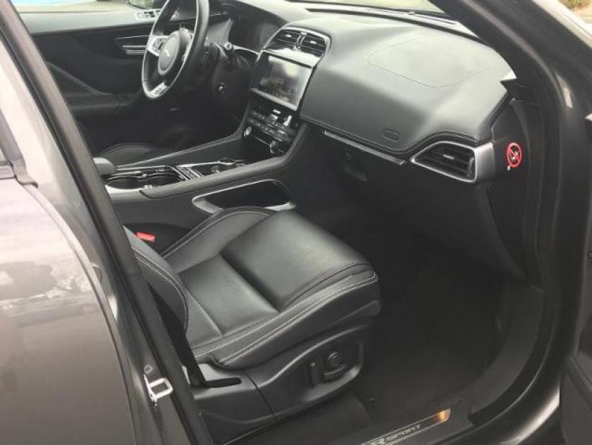 Jaguar F-pace V6 3.0d 300ch R-sport 4x4 Bva8 - Visuel #17