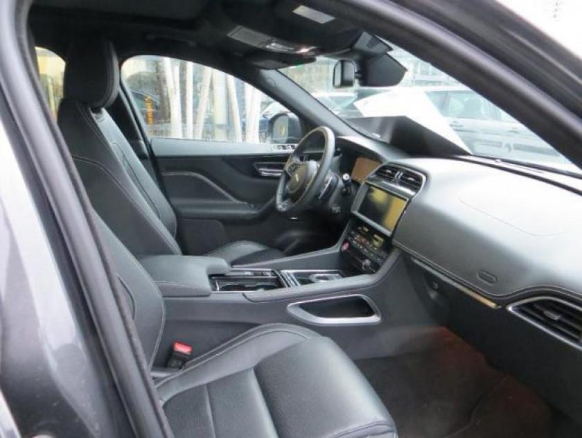 Jaguar F-pace V6 3.0d 300ch R-sport 4x4 Bva8 - Visuel #2
