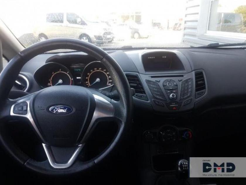 Ford Fiesta 1.5 Tdci 75ch Black 5p - Visuel #5