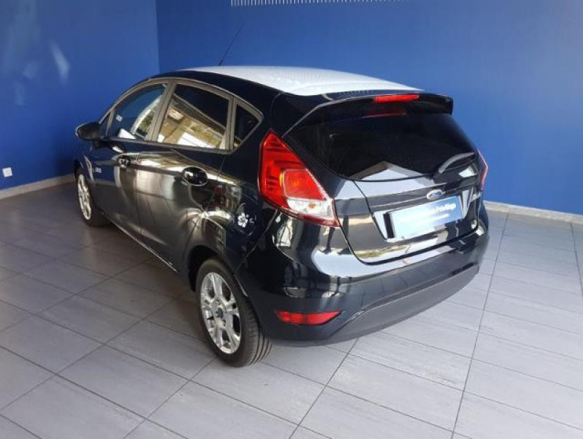 Ford Fiesta 1.5 Tdci 75ch Black 5p - Visuel #3