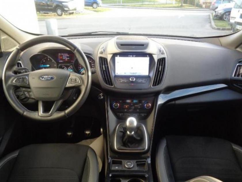 Ford Kuga 2.0 Tdci 150ch Stop&start St-line 4x2 - Visuel #2