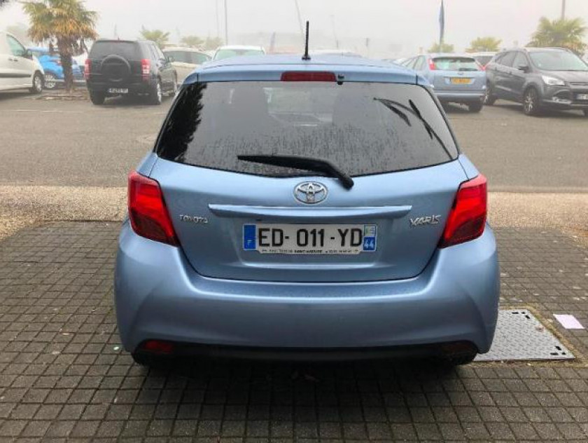Toyota Yaris 100 Vvt-i Dynamic Cvt 5p - Visuel #3