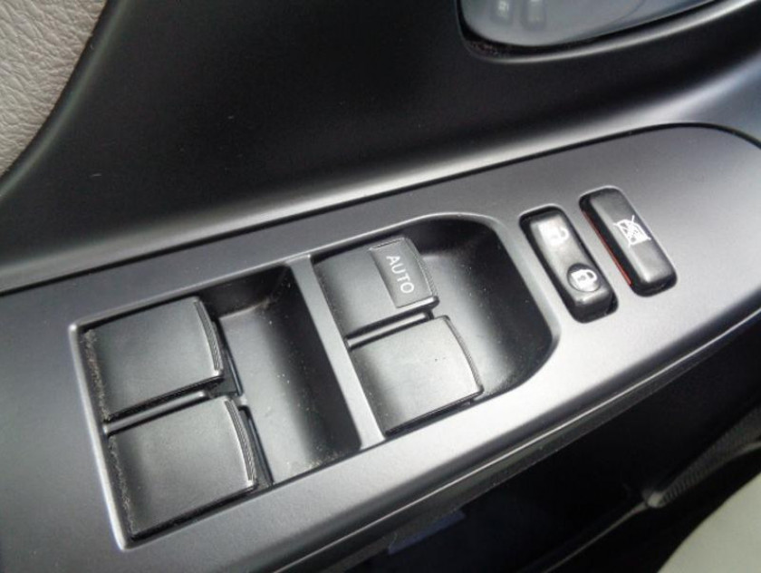 Toyota Yaris 100 Vvt-i Collection 5p - Visuel #7