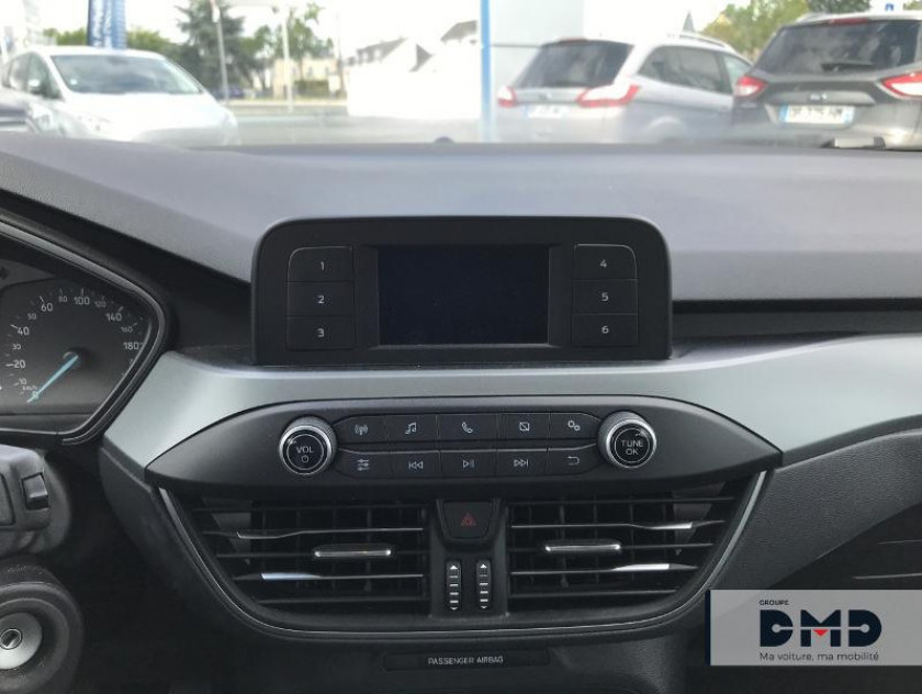 Ford Focus 1.0 Ecoboost 85ch Trend - Visuel #6