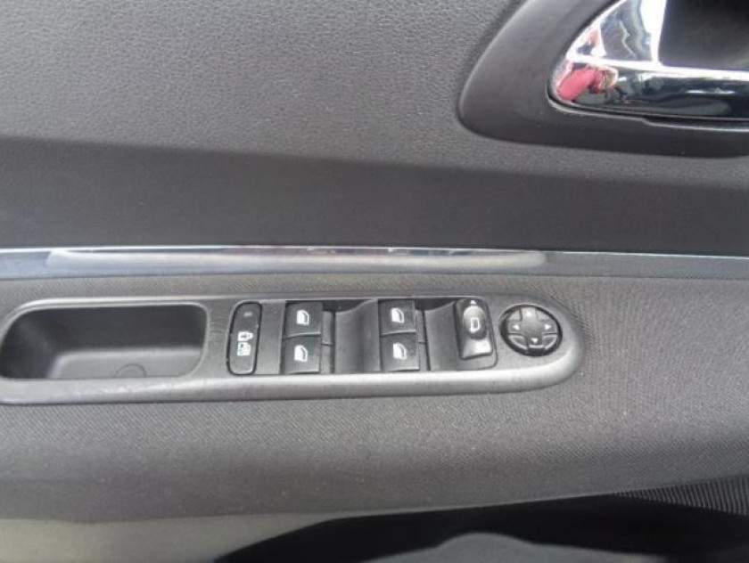 Peugeot 5008 1.6 Hdi112 Fap Active 7pl - Visuel #11