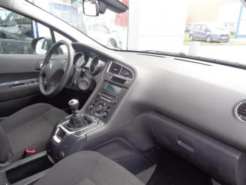 Peugeot 5008 1.6 Hdi112 Fap Active 7pl - Visuel #2