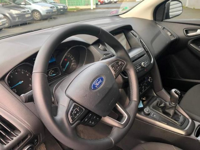 Ford Focus 1.0 Ecoboost 100ch Stop&start Executive - Visuel #5