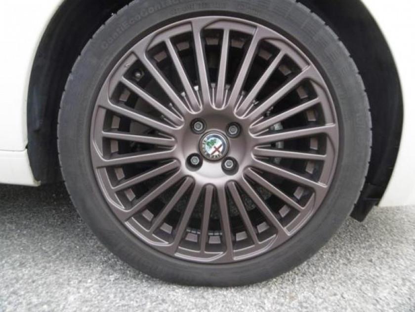 Alfa Romeo Mito 0.9 Twin Air 105ch Collezione Stop&start - Visuel #16