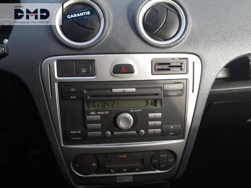 Ford Fusion 1.4 Tdci 68ch Senso Plus - Visuel #6